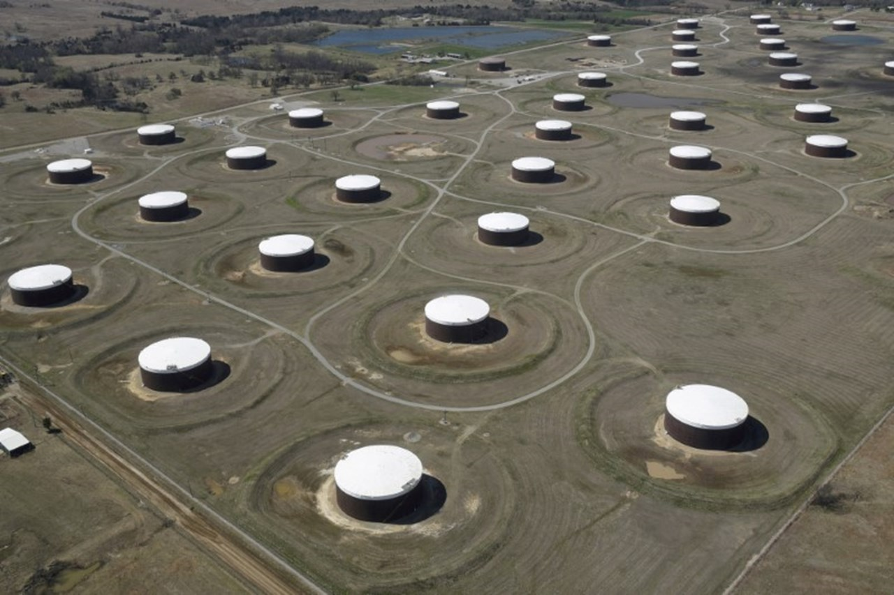 Trade tension weighs as oil prices rise on lower US drilling activity