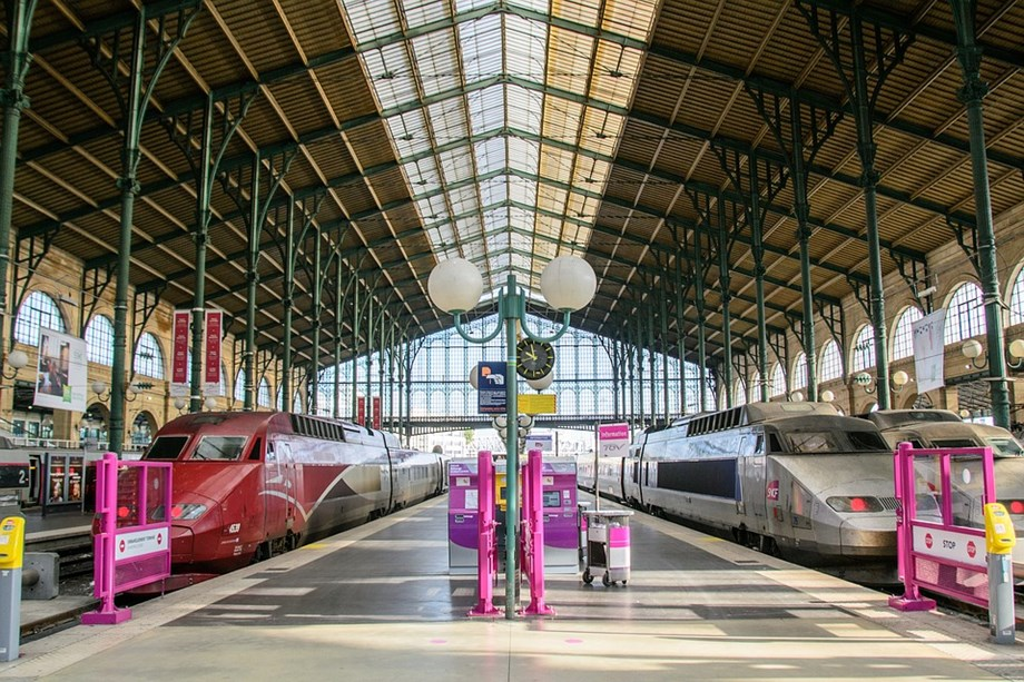 Major strike causes transport disruption in France