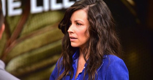Evangeline Lilly cornered into doing scene partially naked on 'Lost'