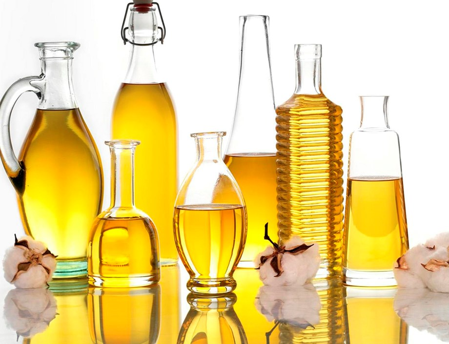 Cottonseed oil cake futures tumbles due to cutting down holdings