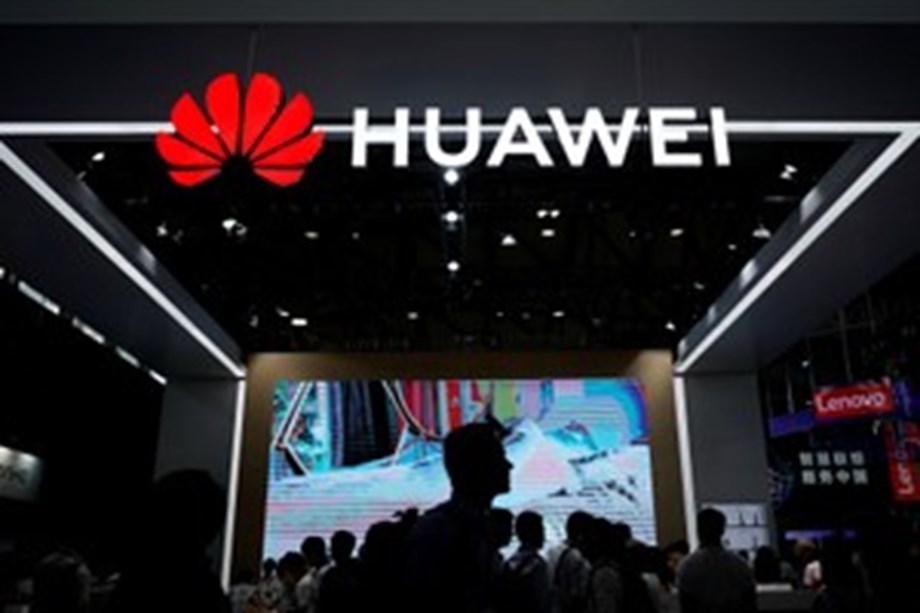 Democratic National Committee asks candidates not to devices made by ZTE, Huawei