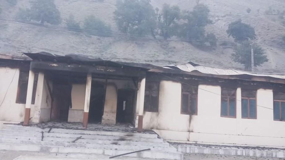 Imran and Malala condemn burning of schools in Pakistan
