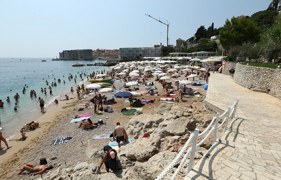 UNESCO World Heritage Site Dubrovnik at risk due to huge number of tourists