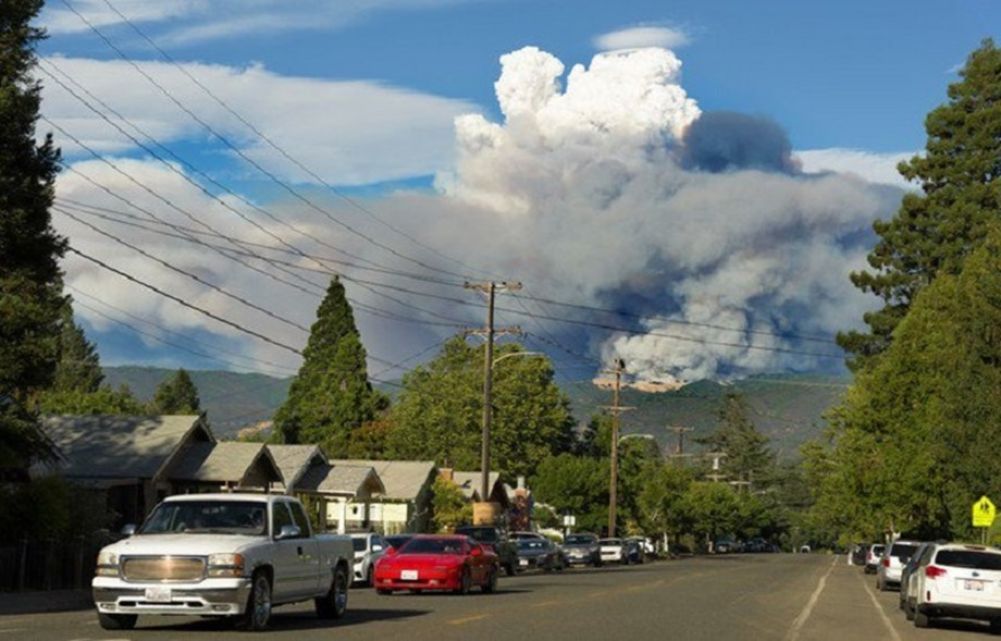 Mendocino County wildfire surges forcing thousands to flee their homes