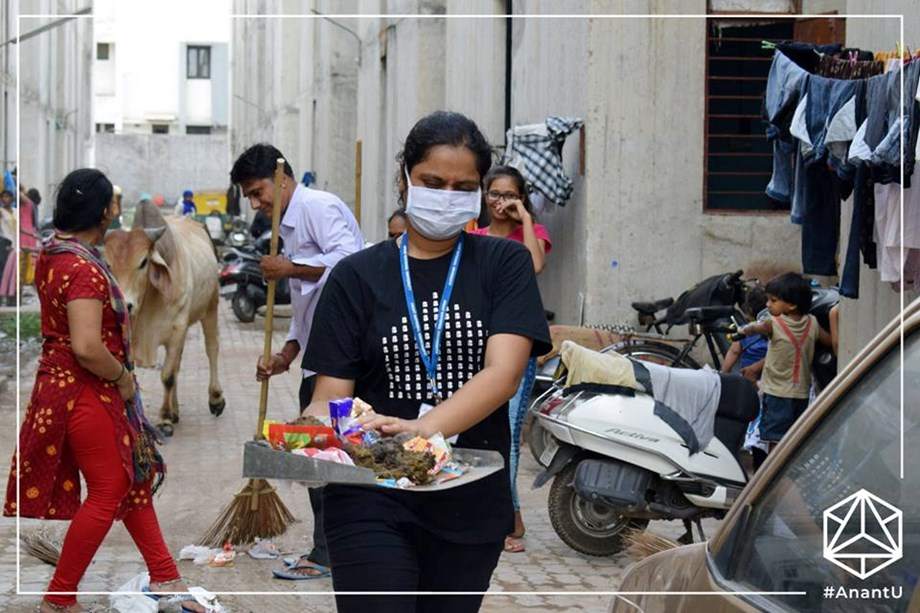 Anant Fellowship team cleans streets of Ahmedabad city