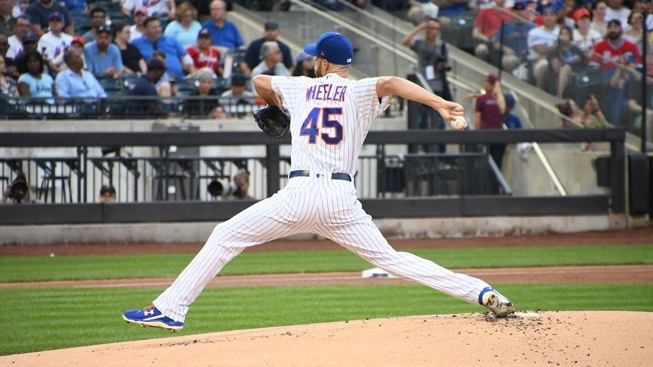 Zack Wheeler continues his resurgence Saturday night