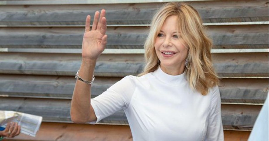 Actor Meg Ryan shows interest in directing romantic comedy