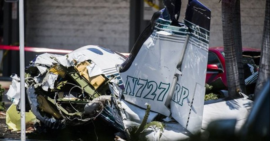 Five killed as small plane crashes in mall parking in California