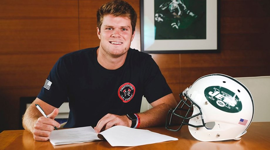 Rookie Sam Darnold has very fair shot of opening regular season