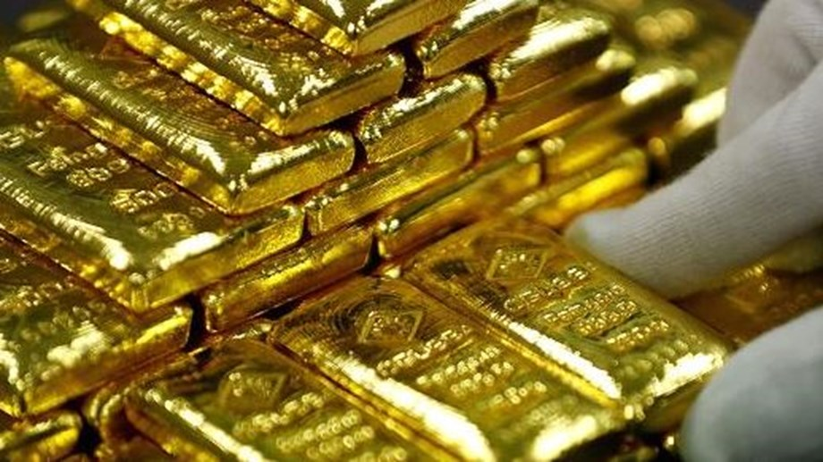 Gold prices edg up by 0.17 pct to INR 29,678 per 10 grams
