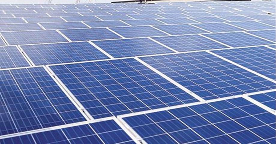 UN Environment Chief praises India's economic development based on solar energy