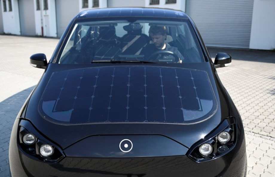 German experiments on charging solar powered car while driving