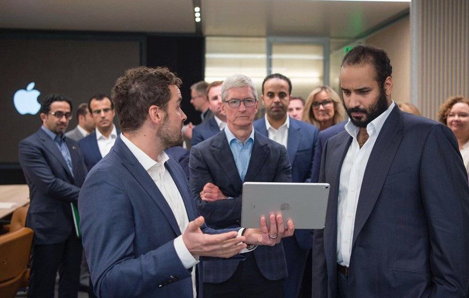 Saudi's Prince meets Tim Cook to talk about technological solutions in education