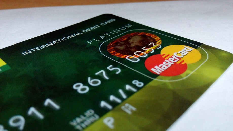 ADB's report on using bank account information model for analyzing credit risk