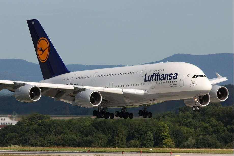 Germany hit by public sector strike, hundreds of flights cancelled