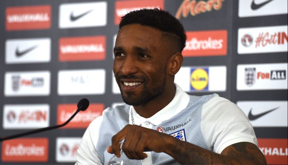 'Goal-obsessed' Defoe wants to rise in league scoring chart