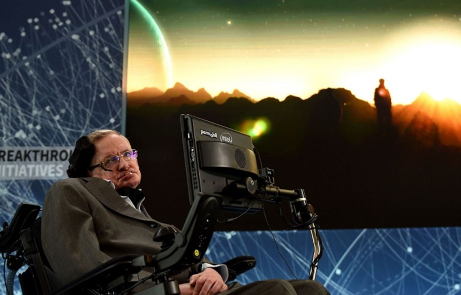 UK to honour Stephen Hawking by awarding PhD fellowships to 10 researchers