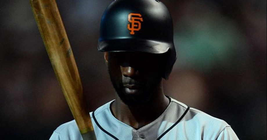 McCutchen leads Giants to embrace victory over Pirates