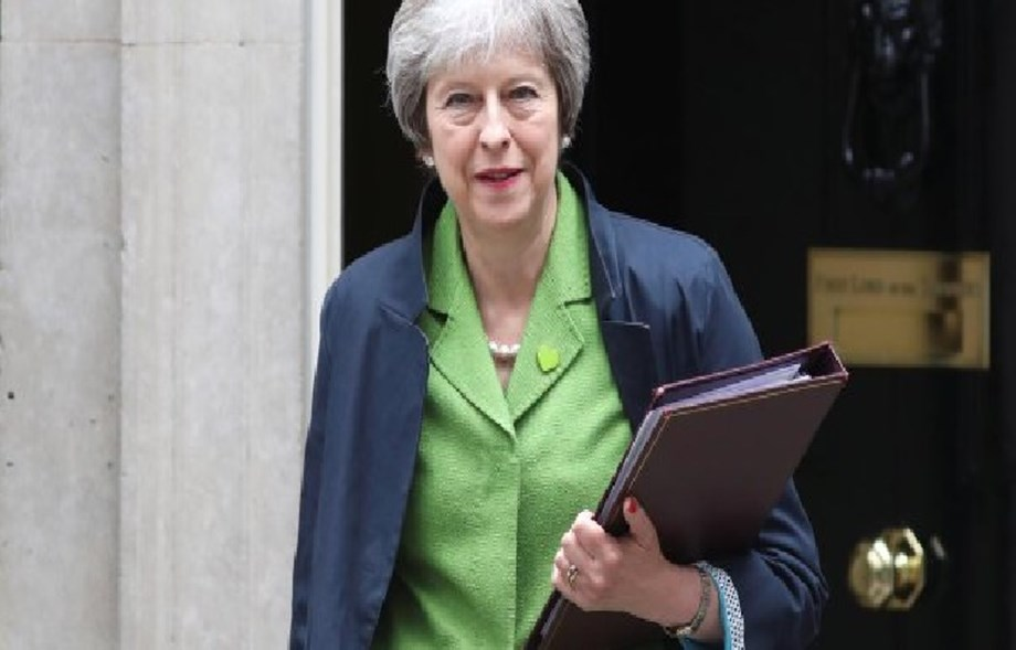 British government urges parliament for free hand in Brexit negotiations