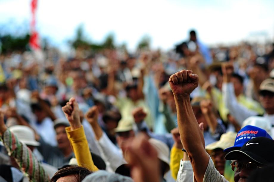 Argentina's CGT umbrella group calls strike, raising pressure on Macri