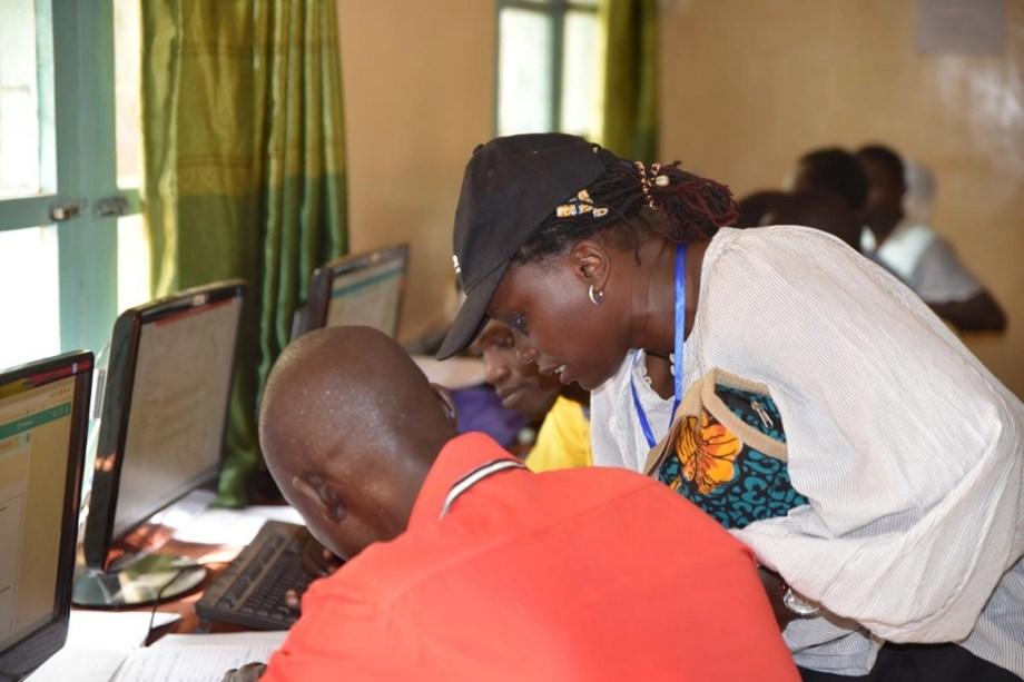 UN Global Goals Award winner from Senegal helps young girls learn technology