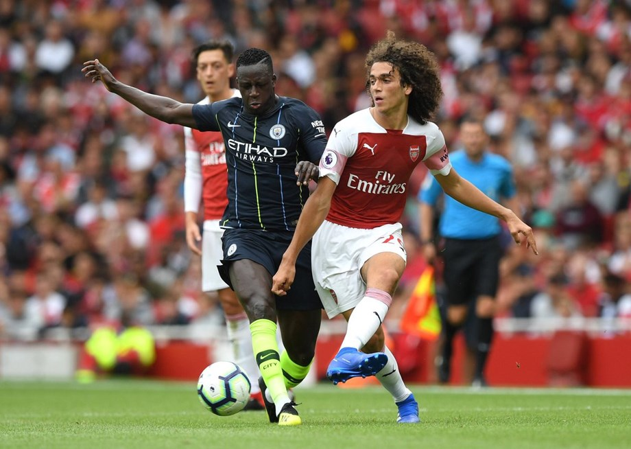 Manchester City beats Arsenal 2-1, begins title defense in style