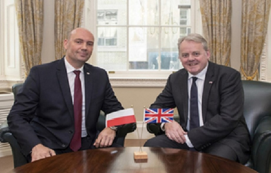 UK and Polland defence ministers hold their first meeting