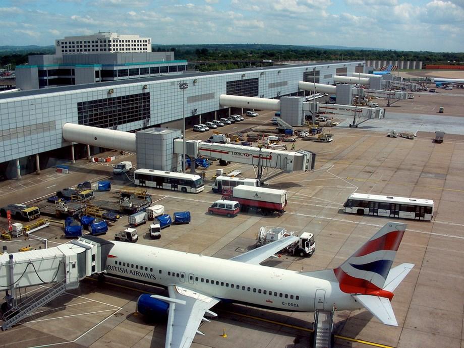 Single runway London Gatwick Airport expanding to accommodate passengers