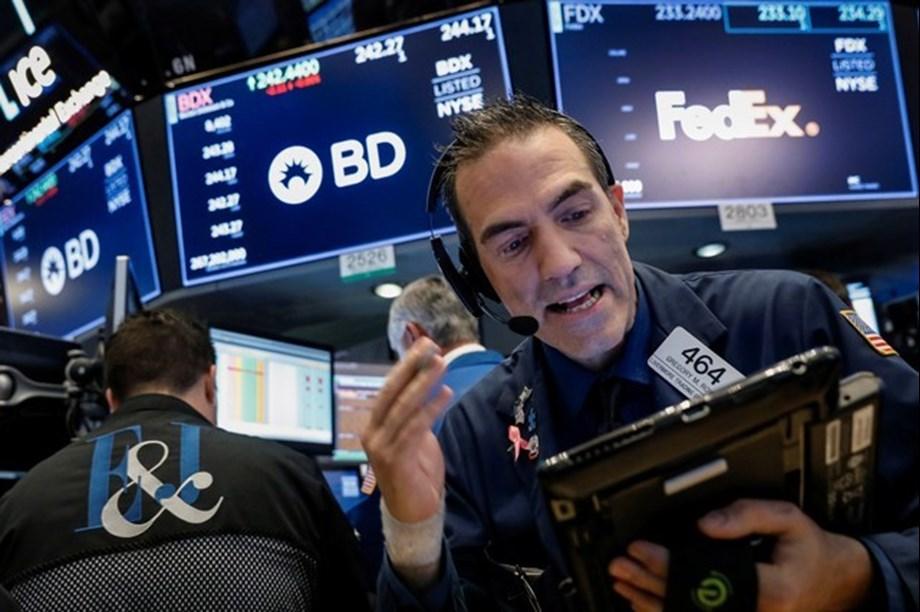 Futures flat as JP Morgan kicks off earnings season