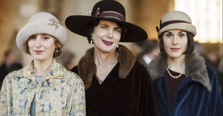 'Downton Abbey' film officially in works with series cast returning