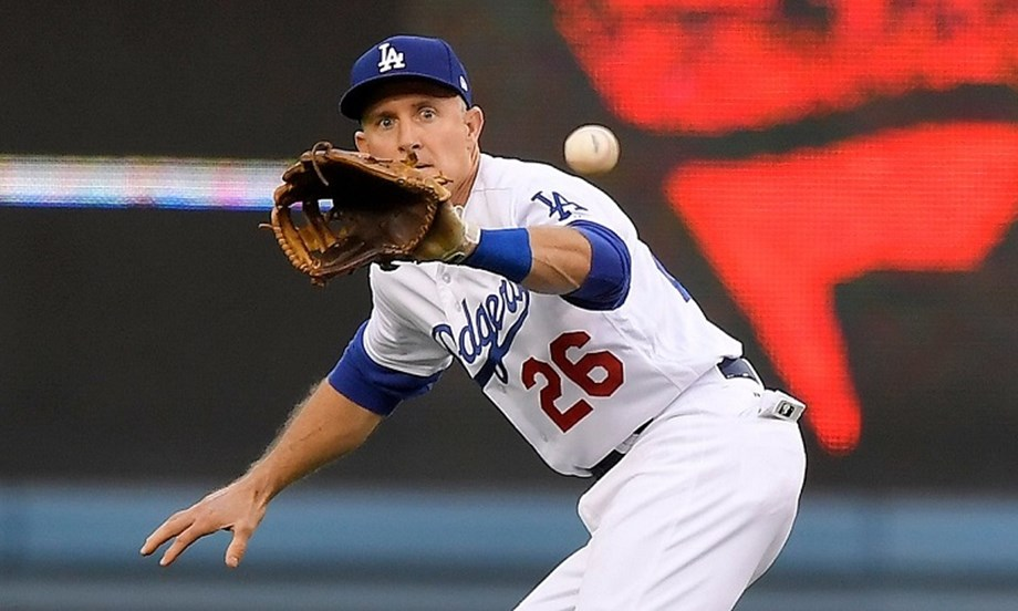 Dodgers' Utley to announce he will retire at season's end