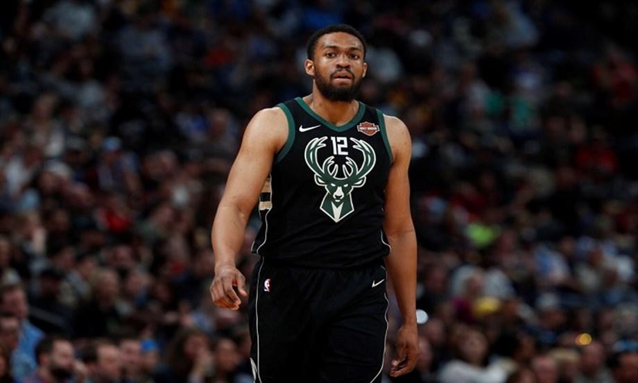 Bucks' Parker, Bulls nearing agreement on offer sheet