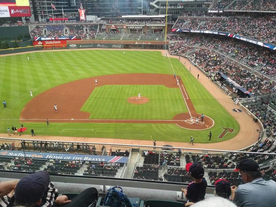 Arizona Diamondbacks squeak by slumping Atlanta Braves, 2-1
