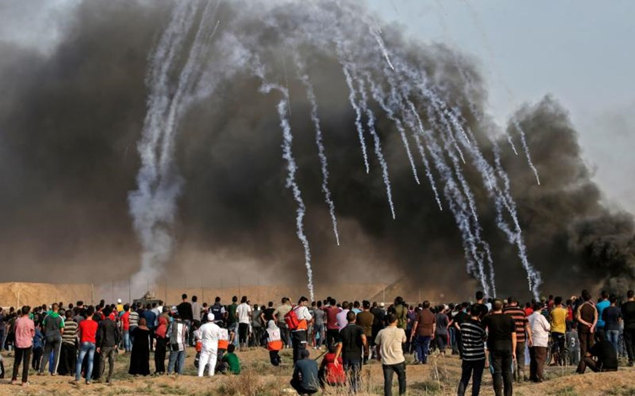 Gaza strip shakes with Israeli army air strike after border protest bloodshed