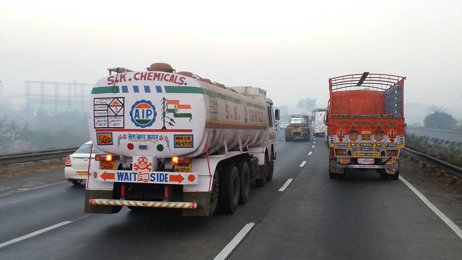DTD, NHAI impose fine on 120 overloaded trucks entering in Delhi