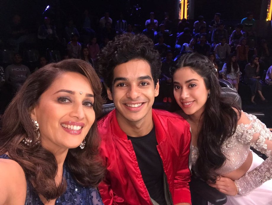 Khushi and I would imitate SRK, Deepika while growing up: Janhvi Kapoor