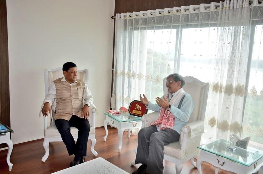 Assam CM  sought help from Amol Palekar for development of film industry