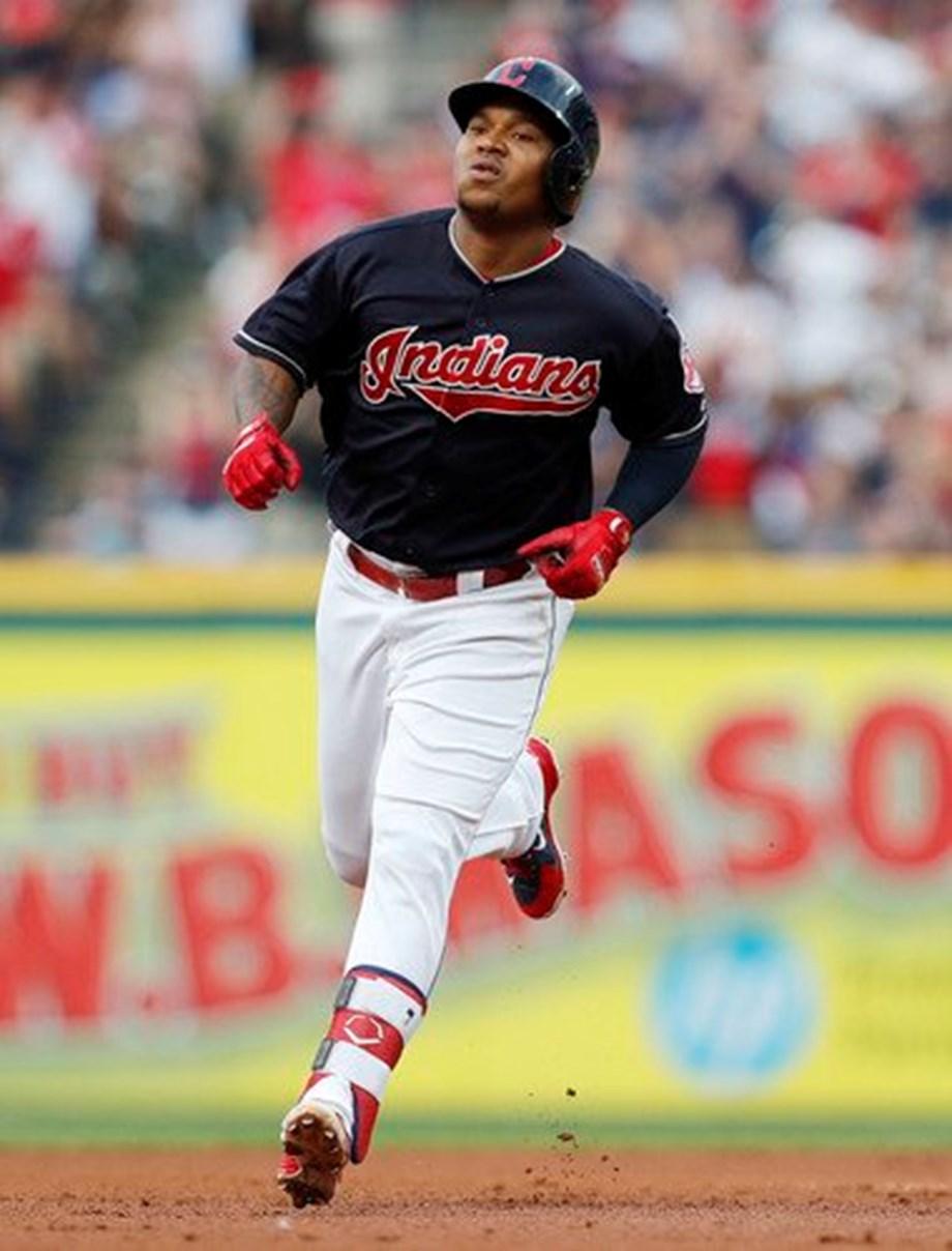 Brantley's blast gives Indians series split with Yankees