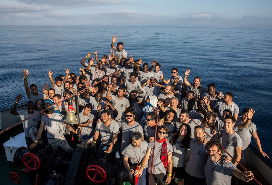 Spain, Portugal to take stranded migrants off EU post following France, Germany