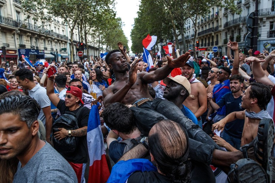 France's World Cup victory brings clashes, road accidents