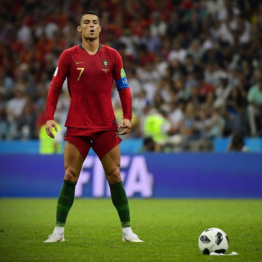 Juventus arrival sparks Ronaldo mania in Turin