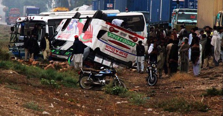18 killed in road accident in Pakistan