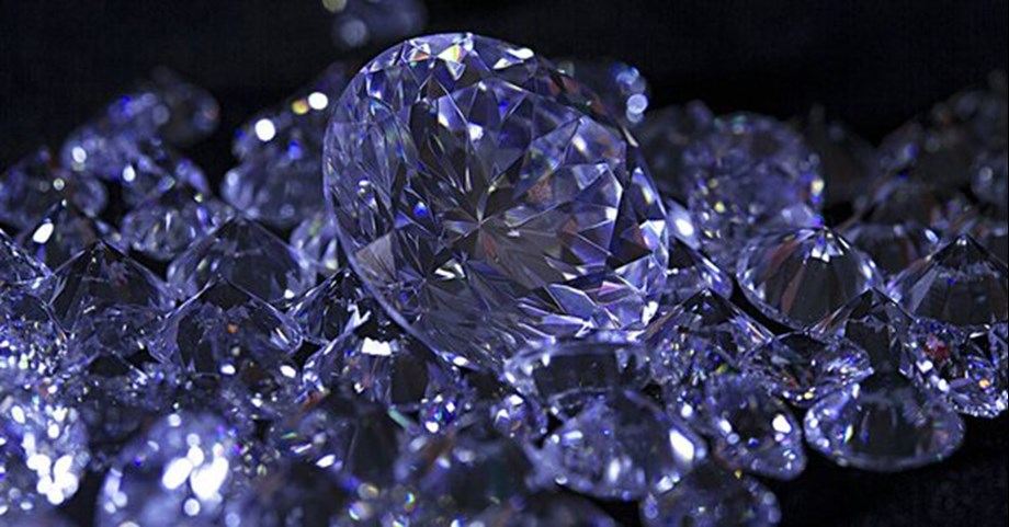 Sale of synthetic diamonds under the guise of real diamonds