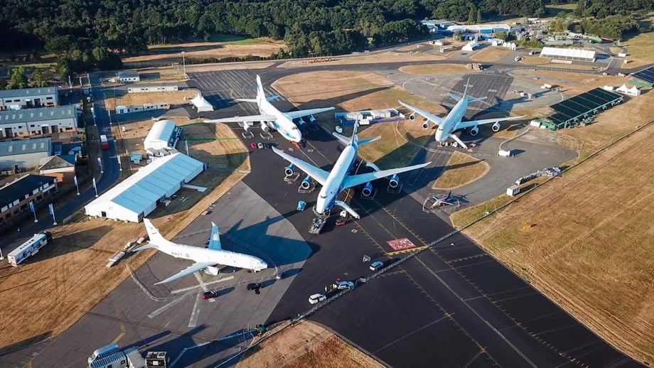 Boeing kickstarts air show with order for jets worth USD 4.7 bln