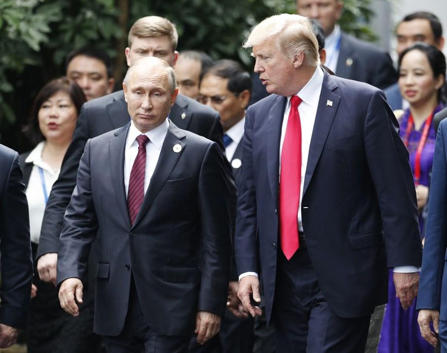 Trump and Putin open historic summit