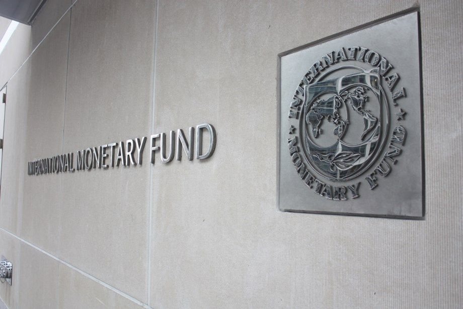 IMF warns U.S. vulnerable in escalating trade fight