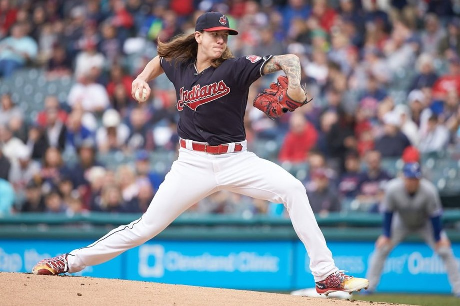 Clevinger fans 10 in beating White Sox again