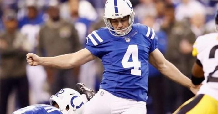 Colts' Vinatieri has no plans to quit kicking