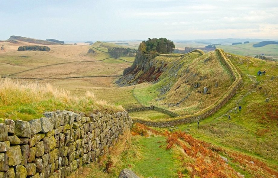 "Hadrian's Wall being damaged by ""nighthawk"" metal detectorists"