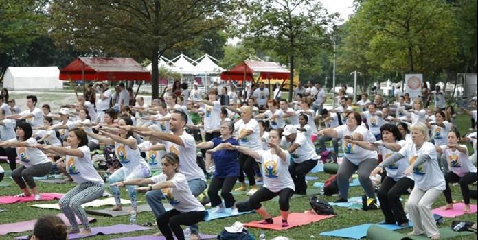 Traditional yoga vs 'fun' yoga: Make your pick